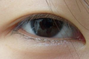 Home Remedies for Healthier and Longer Eyelashes